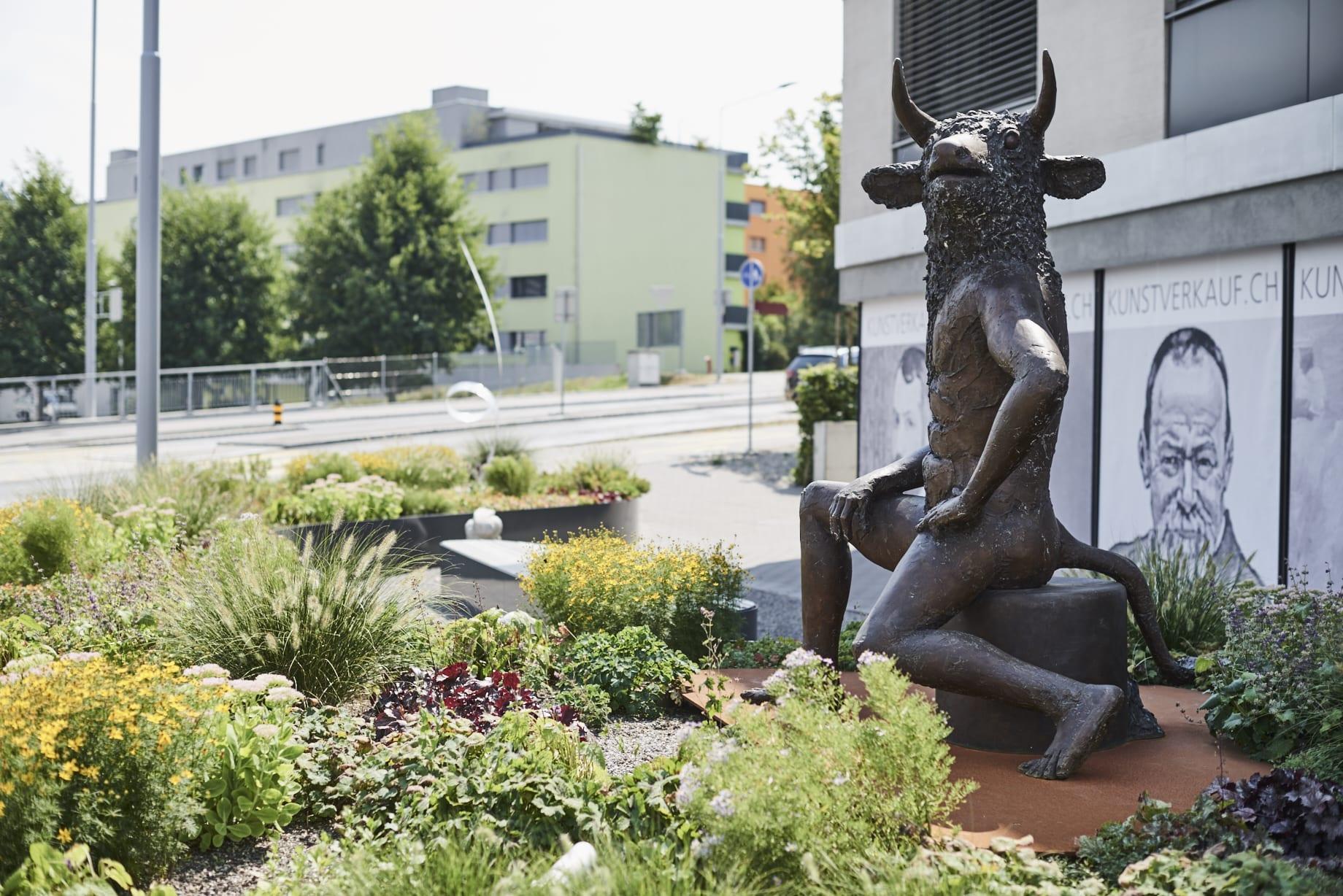 Umgebung Kunstverkauf Sursee, Luzern, Foto Umgebungsgestaltung, LAND SCHAFFT Landschaftsarchitektur Sursee / Luzern